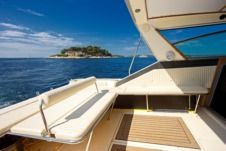 Rental Motorboat Sea Ray 390 Hvar