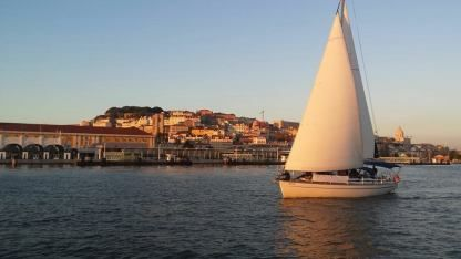 Charter Sailboat Bavaria 44 Lisbon