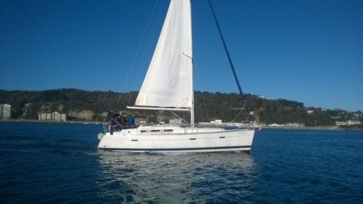 Charter sailboat in Hendaye