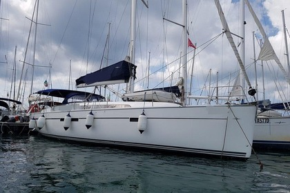 Hire Sailboat BAVARIA 51 Procida