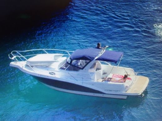 Motorboat Faeton Yachts S.l. Faeton 26 Scape for hire