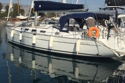 Charter Sailboat BENETEAU CYCLADES 39.3 Athens