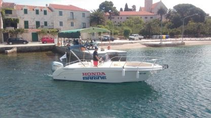 Charter Motorboat Saver 690 Open Povlja