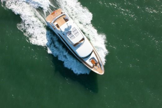 Charter motorboat in Malte peer-to-peer