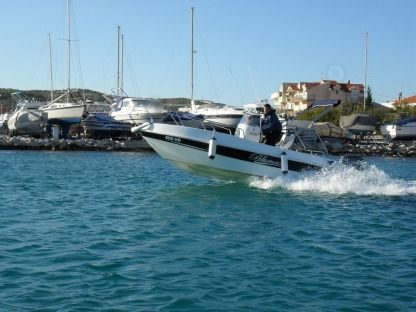 Charter Motorboat Blumax 560 Vodice