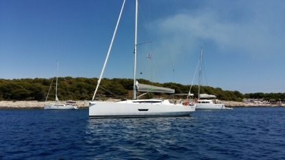 Rental Sailboat Elan 400 Tivat