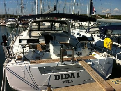 Rental Sailboat Beneteau Oceanis 55 Pomer