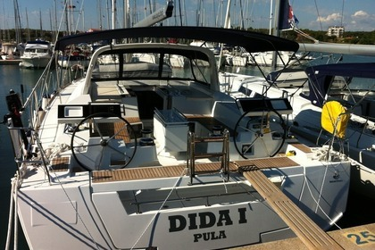 Hire Sailboat BENETEAU OCEANIS 55 Medulin