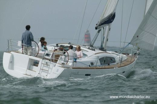 Beneteau Oceanis 40 in Minorque for hire