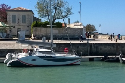 Location Catamaran FOUNTAINE PAJOT LAVEZZI 40 La Flotte