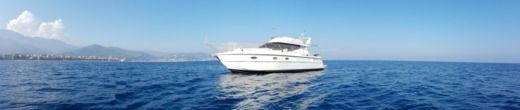 Charter Motorboat Azimut 37 Fly Grimaud
