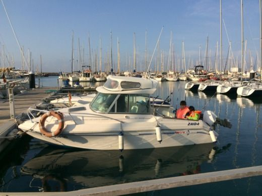 Motorboat Faeton Moraga 551 for hire