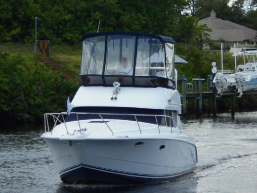Charter motorboat in Stuart