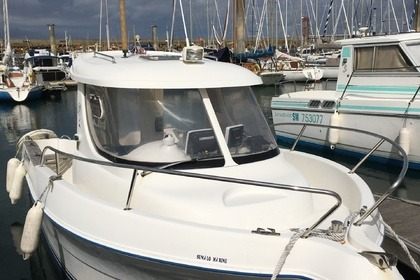 Charter Motorboat Quicksilver 640 PILOT HOUSE Saint-Malo