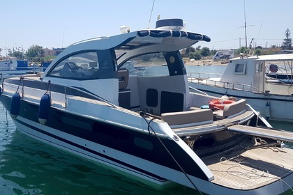 Charter Motorboat Mochi Craft 35 Licata