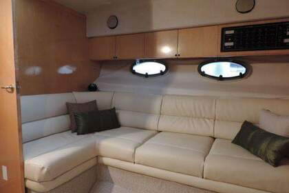 Hire Motorboat Fairline Targa 33 Saint Julian's