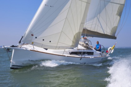 Charter Sailboat Dufour 360 Hamble-le-Rice