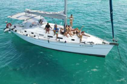 Hire Sailboat Beneteau Cyclades 43.3 Ibiza