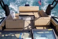 Sea Ray Sdx 250 in Aventura