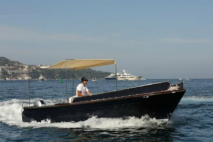 Charter Motorboat APREAMARE LANCIA LENTA 7MT Piano di Sorrento
