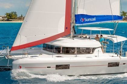 Hire Catamaran Sunsail 424 Corfu