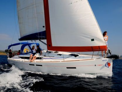 Charter Sailboat  Sunsail 41 Marina