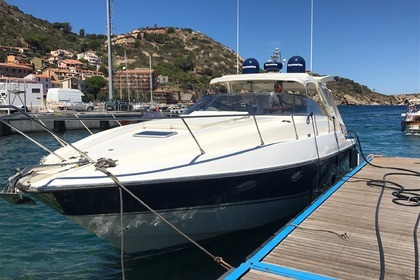 Hire Motorboat SUNSEEKER Camargue 46 Valletta