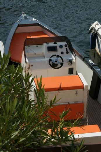 Motorboat Smart Boat Smartboat 23 for hire