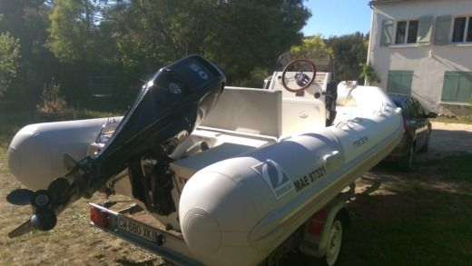 Zodiac Medline 500 in Sanary-sur-Mer for hire