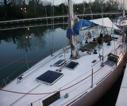 Rental Sailboat Petronio Frers 43' Venice