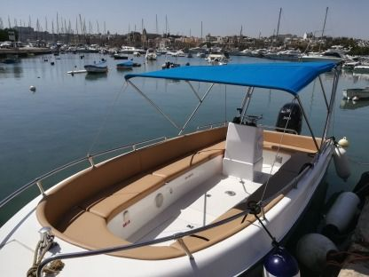 Rental Motorboat Buccaneer Sea Rover 208 Malta