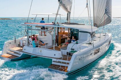 Charter Catamaran LAGOON 42 Leeward Islands