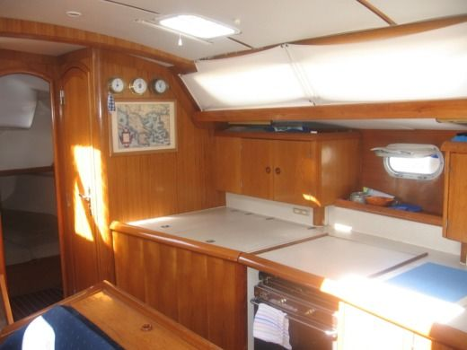 Sailboat Jeanneau Sun Odyssey 45.1 peer-to-peer