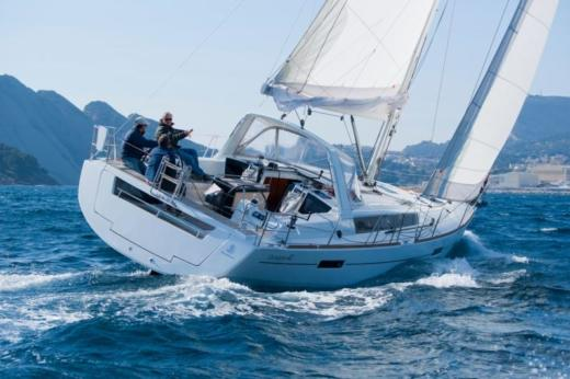 Sailboat Beneteau Oceanis 41 for hire