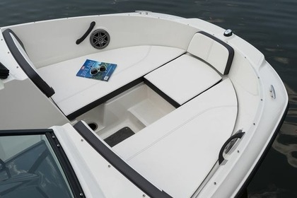 Rental Motorboat SEA RAY 19 SPX Rab