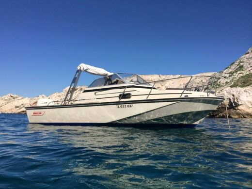 BOSTON WHALER REVENGE 22 in Marseille zwischen Privatpersonen
