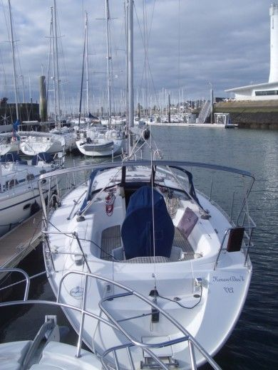 Dufour 36 Classic in Arzon for hire