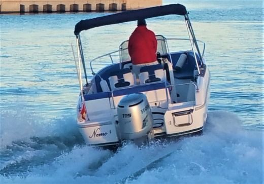 Motorboat Rio 600 Open for hire