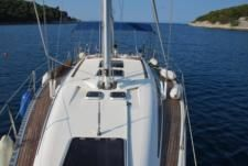 Sailboat Elan 431 for hire
