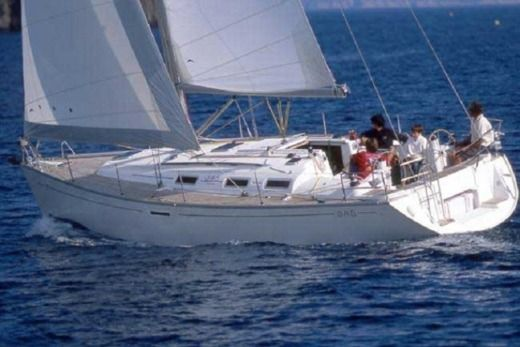 Charter sailboat in Alimos peer-to-peer