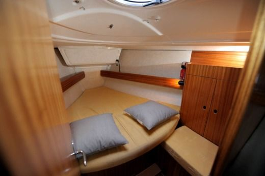 Sailboat DUFOUR YACHTS GIB'SEA 37 for hire