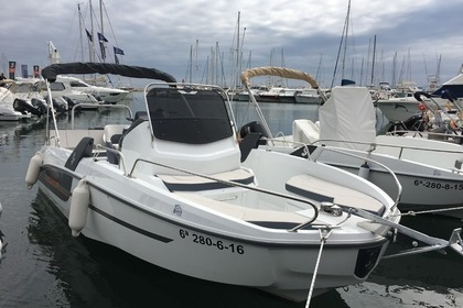 Hire Motorboat BENETEAU Flyer 6.6 Sundeck