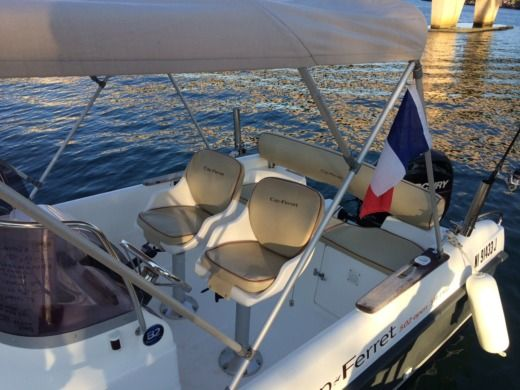 Motorboat B2 MARINE OPEN CAP FERRET 502 SWING for hire