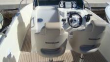 Motorboat Quicksilver 675 Activ for hire