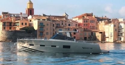 Rental Motorboat Med Yacht 52 Cogolin