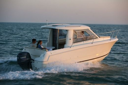 Charter Motorboat Jeanneau Merry Fisher 645 Umag