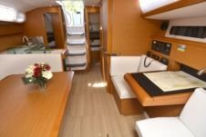 Jeanneau Sun Odyssey 419 in Dubrovnik for hire