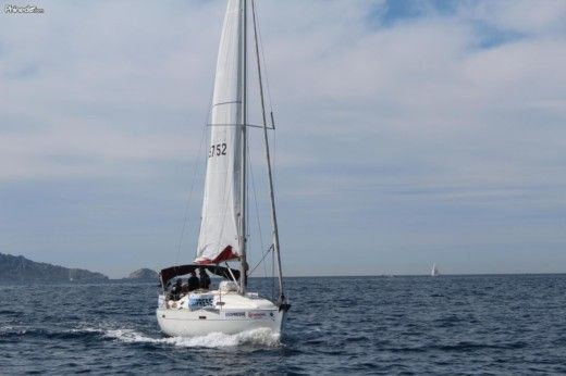 Sailboat Beneteau Oceanis for hire