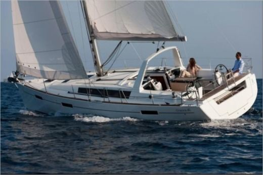 Beneteau Oceanis 40 in Road Town