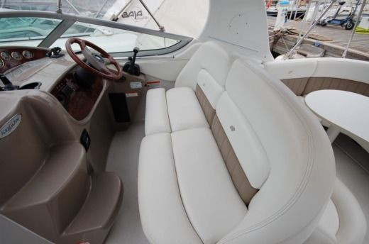 Motorboat FOUR WINNS 268 for hire